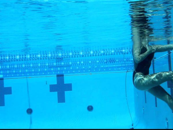 水中で綱引き!?競争しながら短時間でレベルアップしよう!