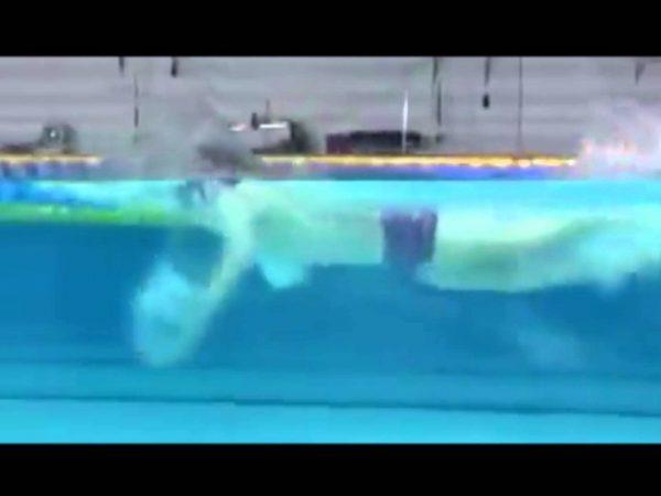 萩野公介選手の泳いでいる姿を横から見れる素晴らしい映像