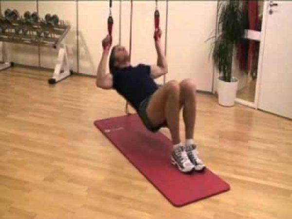 懸垂が出来ない人は、まずはこのトレーニングから始めてみよう