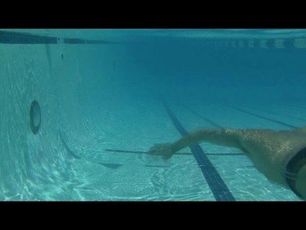 アンダーウォーターの練習を取り入れて水中姿勢を良くしよう!