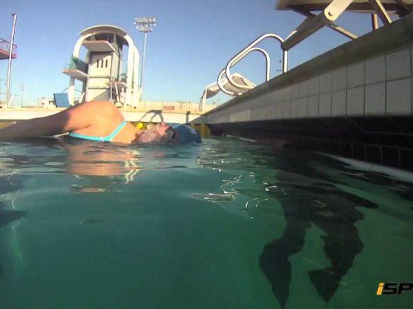 クロールの呼吸を上手くして楽に速く泳げるようになろう