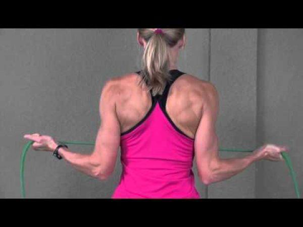 肩の怪我予防のために、インナーマッスルを鍛えよう