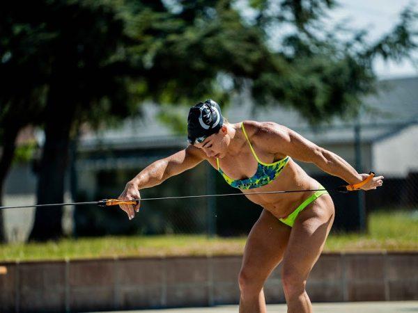 パワーのある泳ぎを身につける為のチューブトレーニング